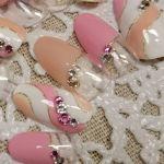 モダンな魅力のプッチ柄ネイルで大人っぽく♡プッチネイルデザイン集のサムネイル画像