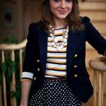 【紺ブレザーの着こなし】ベーシックなアイテムの上手な着こなし!のサムネイル画像