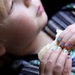 子どももママみたいに可愛くしたい!おすすめの子どもネイル♡のサムネイル画像