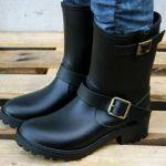 雨の日の足元のオシャレに!しまむらのレインブーツが可愛いのサムネイル画像