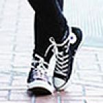 人気のレディススニーカーランキングをまとめてご紹介します!のサムネイル画像