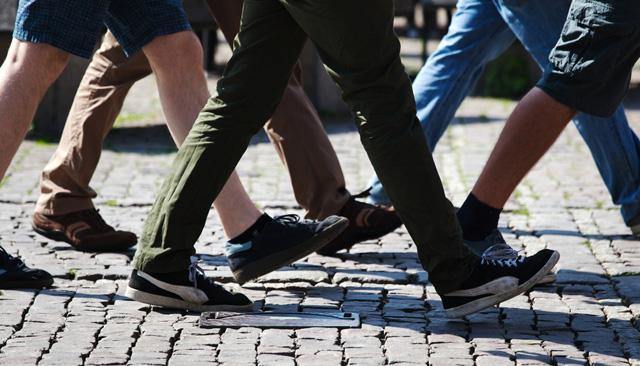 「歩く画像」の画像検索結果