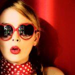 今までとは違う?!メガネとサングラスの選び方で新しい自分に変身のサムネイル画像