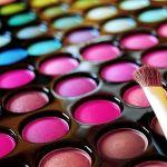 カラフルメイクなら気分もアガる、カラーアイテムを使いこなそうのサムネイル画像