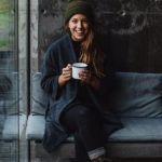 冬だけって思ってる?ニット帽のかぶり方を知ってもっとおしゃれに!のサムネイル画像