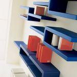 壁付け棚でスペースを有効活用!どこでも収納&どこでもギャラリーのサムネイル画像