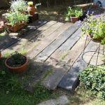 枕木を使ったガーデニングでほかの家と差をつけちゃいましょう!のサムネイル画像