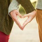 みんなはどう過ごしてる?夫婦で初めて迎える一年目の結婚記念日のサムネイル画像