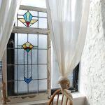 アンティークのステンドグラスがある暮らし【日々に彩りを】のサムネイル画像