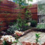 家の印象は目隠しフェンスで決まる!?木製で温かみのある家作りを。のサムネイル画像