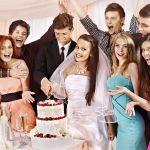 結婚式のお呼ばれ☆ドレスにする?それともフォーマルスーツにする?のサムネイル画像