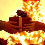 聖なる夜の贈り物☆渡したくなる人気のクリスマスプレゼントとは?のサムネイル画像