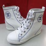 【靴紐×スニーカー】何色の組み合わせが好き?コーデもご紹介☆のサムネイル画像