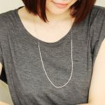 パッと垢ぬけたコーデに♡ゴールドのロングネックレスのすすめのサムネイル画像