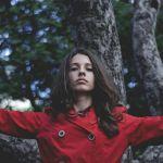 今年は赤を身にまとって、一番魅力的な女性になりましょう!のサムネイル画像