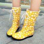 雨の日も楽しくなる!ユウウツを吹き飛ばす可愛い長靴いっぱいのサムネイル画像