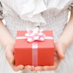 片思いをしている男性を喜ばせる!誕生日の祝い方やプレゼントのサムネイル画像