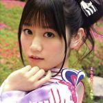 声優の小倉唯ちゃんの貴重な萌え水着画像は必見!でも制服も萌える!のサムネイル画像