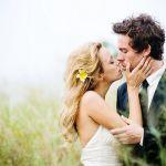 結婚式の誓いのキスはどこにする?キスをする場所の人気と意味のサムネイル画像