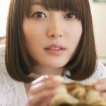 大きな瞳が印象的!人気声優・花澤香菜のヘアスタイル画像まとめのサムネイル画像