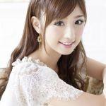 ママになってもずっと可愛い♪ガーリーな小倉優子のヘアスタイルのサムネイル画像