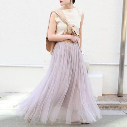 20代 ファッションコーデ 淡いカラー フェミニンコーデ