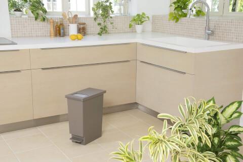 トンボ ゴミ箱