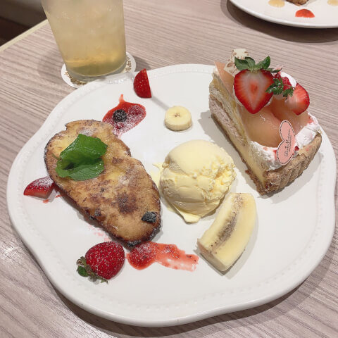 La Maison ensoleille table 新宿 カフェ フレンチトースト デザートプレート
