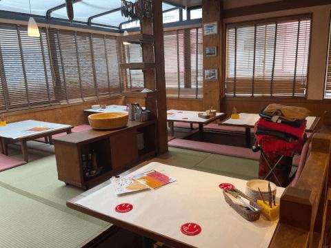 横浜で人気のチーズカフェ、二階の座敷席