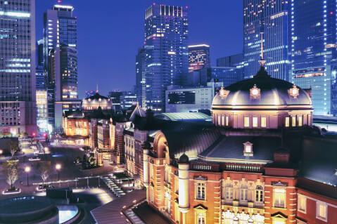 写真 構図 対角線構図 東京駅 夜景