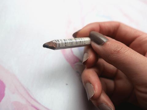 アイブロウペンシル 削り式