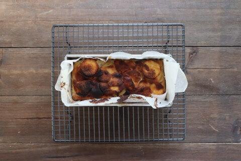 焼き上がり さつまいもとりんごの米粉ガトーインビジブル