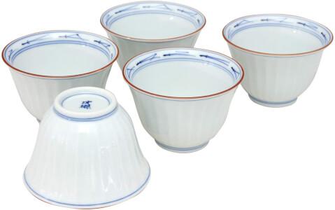 後輪窯内松葉菊彫煎茶碗