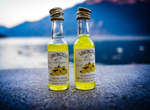 limoncello_bottles