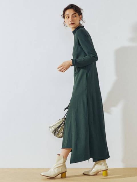 モスグリーン コート 色 ニット レディース コーデ おしゃれ