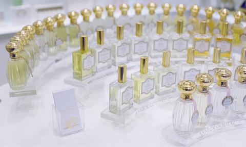 perfume_line