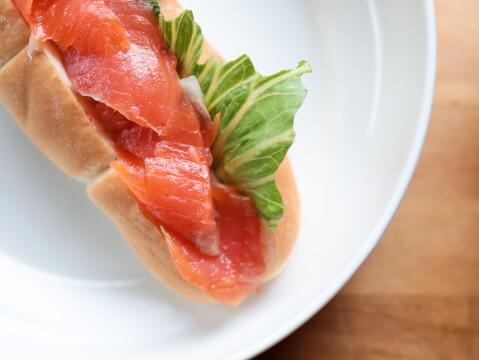 ランチ サンドイッチ パン