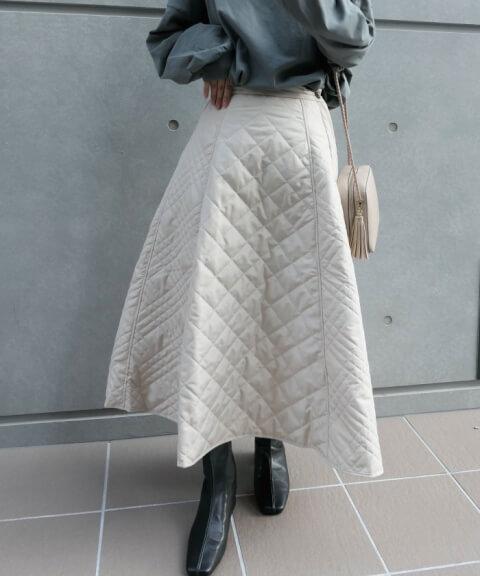 2.LOWYBYCORNERS キルティングフレアースカート
