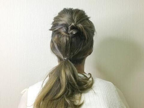 残った毛をひとつくくりにする セミロング ヘアアレンジ 結婚式