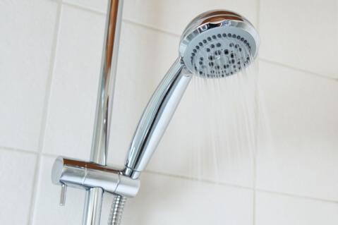シャワー マツエク 水