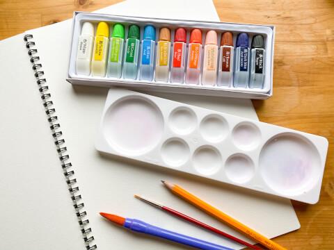 水彩画 パレット 筆 鉛筆 絵具