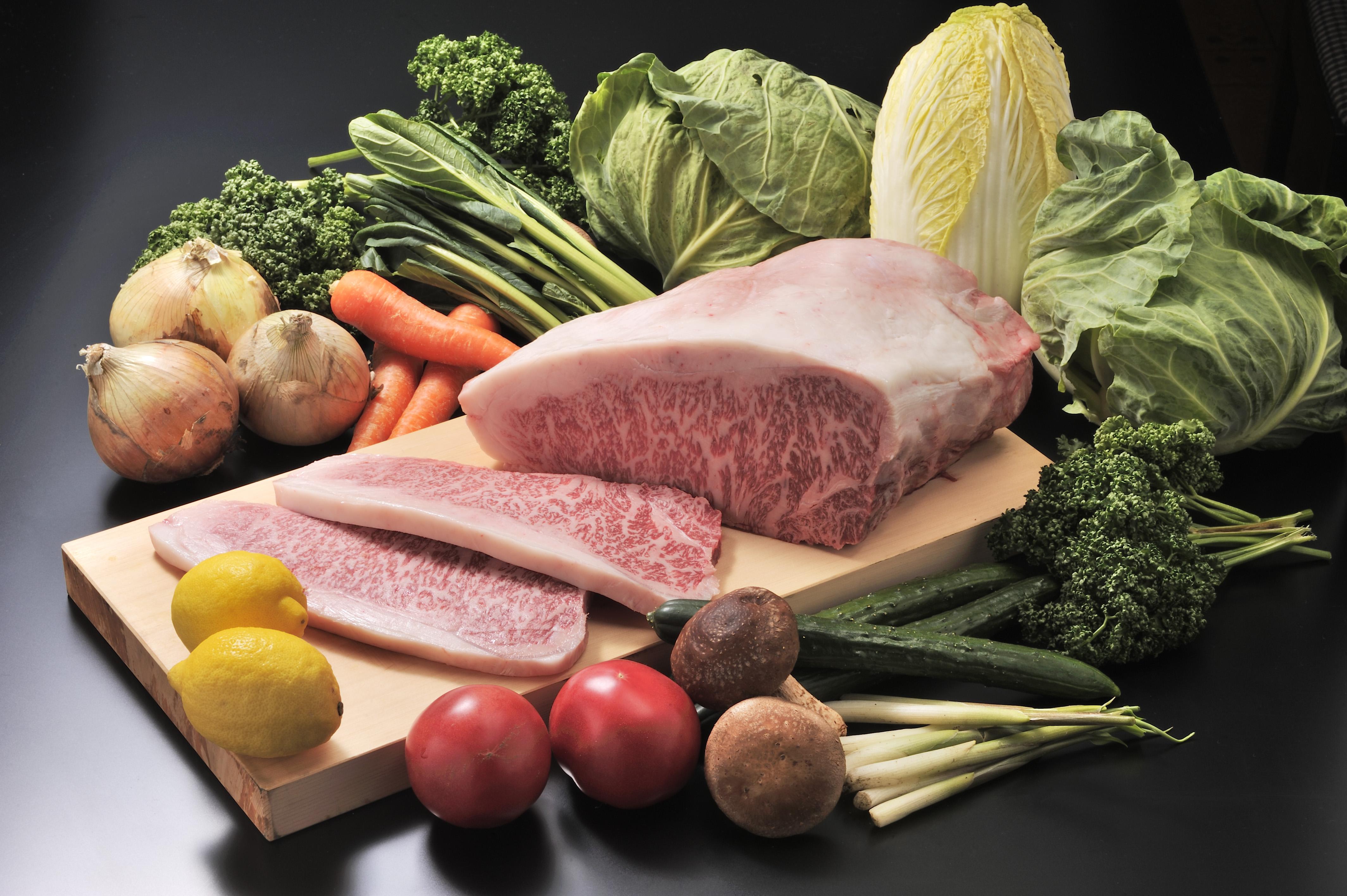 銘選木曽牛サーロイン2枚と開田高原とうもろこしスープのセット