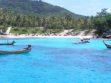 ラチャヤイ島風景