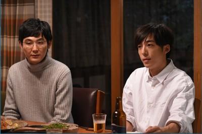 高橋一生在松田龍平的身後…「四重奏」私下照中的兩人照片超相親相愛!