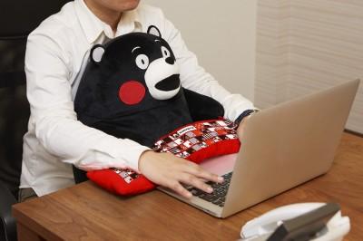 也能當做賑災捐獻給熊本大地震! 「熊本熊」變身超可愛的電腦抱枕♪