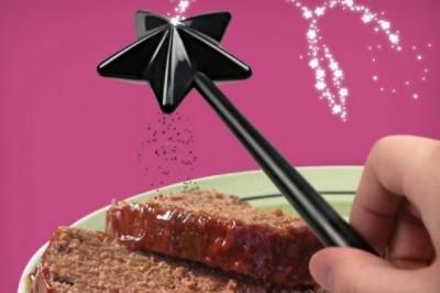變好吃吧♡ 只要在上揮一揮,就能讓食物便好吃的「胡椒鹽棒」