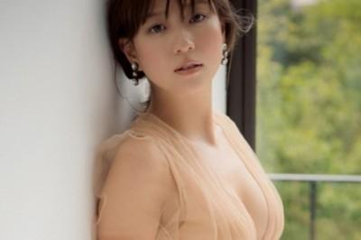 伊藤千晃,懷孕8個月拍孕婦照!AAA畢業後初次登上時尚雜誌