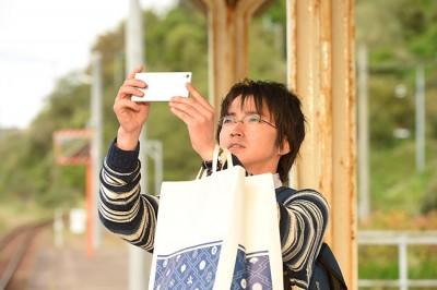 「反轉」第7話。從手機照片看出越智美穗子的謊言,令人覺得不舒服