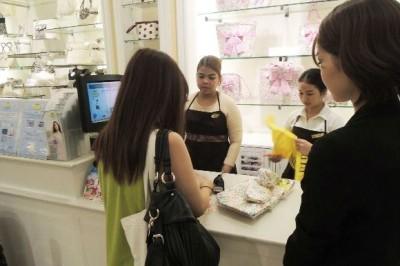 【單純的疑問】日本服飾店店員的「搭話」究竟有什麼意義? 實際訪問現任服飾店員!