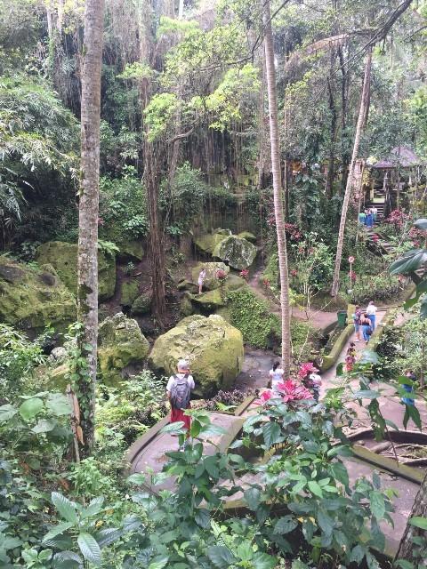 ゴアガジャ(象の洞窟)裏の寺院